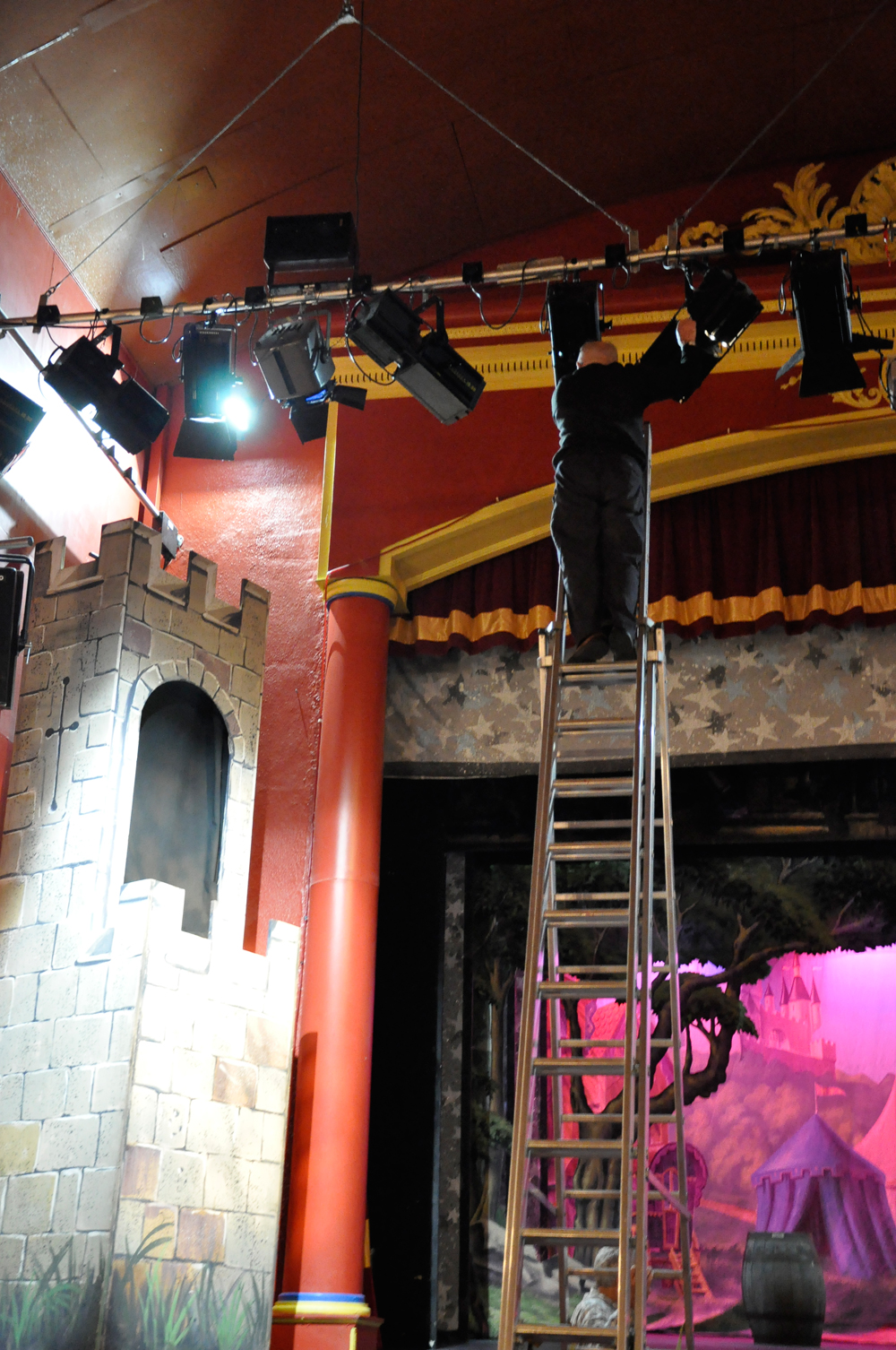 F622-Memorial-Theatre-Back-Stage-3