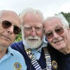 Lions attempt world record for longest chain of spectacles