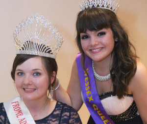 ©DJChedgy_LR Frome Adult Carnival Queen Kelly Pleasants  is crowned by the Wessex Queen Laura Evans 2013397A0170alt