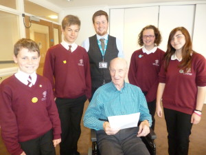 Reg shares his wartime stories with pupils from Oakfield.