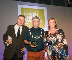 The mayor recieve's Frome's green award